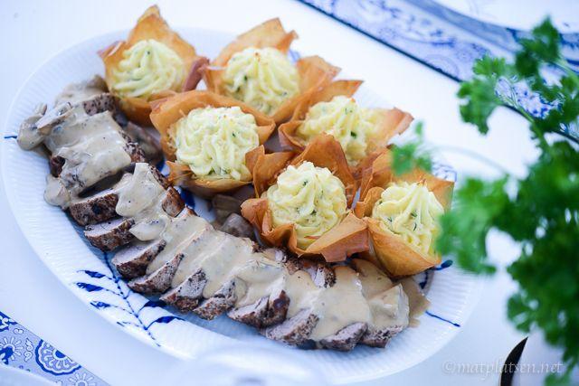 Hej hej De här potatiskorgarna brukar alltid vara poppis, enkla att göra men roliga och festliga! Gott i sällskap av vad som helst. Fläskfilé med dijonsvampsås 4 portioner 600 g fläsk…