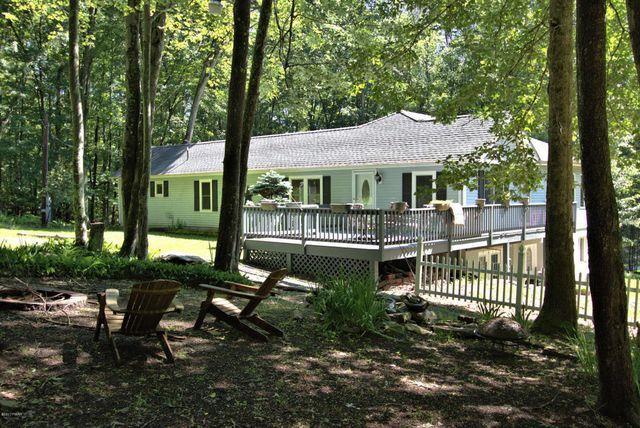 114 Oak Mountain Dr, Hawley, PA 18428 - realtor.com®