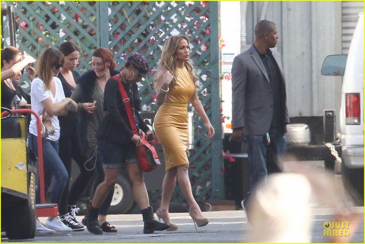 Jennifer Lopez is a Sexy Slice of Orange on 'American Idol'! | jennifer lopez sexy orange dress on idol 05 - Photo