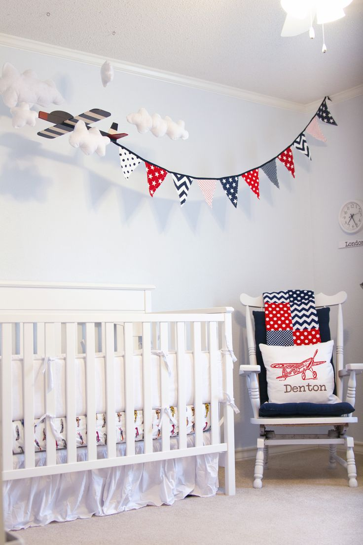 I like a lot of the ideas for this nursery, but not necessarily the execution. Love the multiple clocks and the antique airplanes!