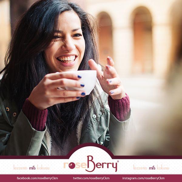 roseBerry'de sadece lezzeti değil, tebessümlerinizi de paylaşıyoruz. #happyweek