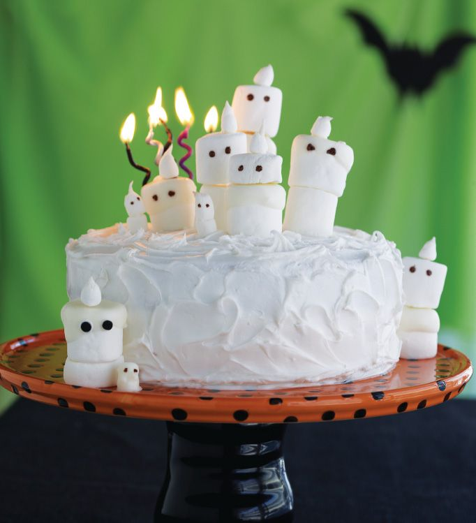 the idea of a cheerful halloween is particularly suitable for children we have chosen to offer you 20 ideas for non scary halloween cake decorations