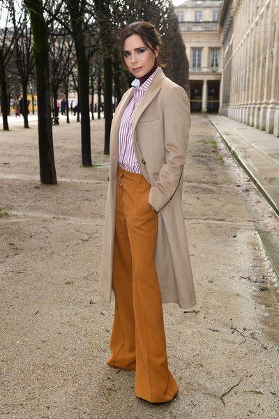 56749bf46f09 Victoria Beckham Photos - Victoria Beckham attends the Louis Vuitton  Menswear Fall Winter 2018-2019 show as part of Paris Fashion Week on  January 18