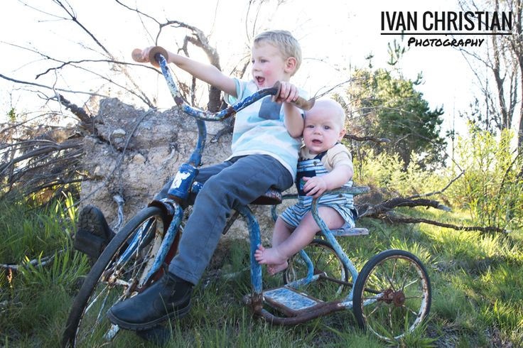Jayrod and Alexander having fun on the old bike! - Ivan Christian Photography http://ivanchristianphotography.com/