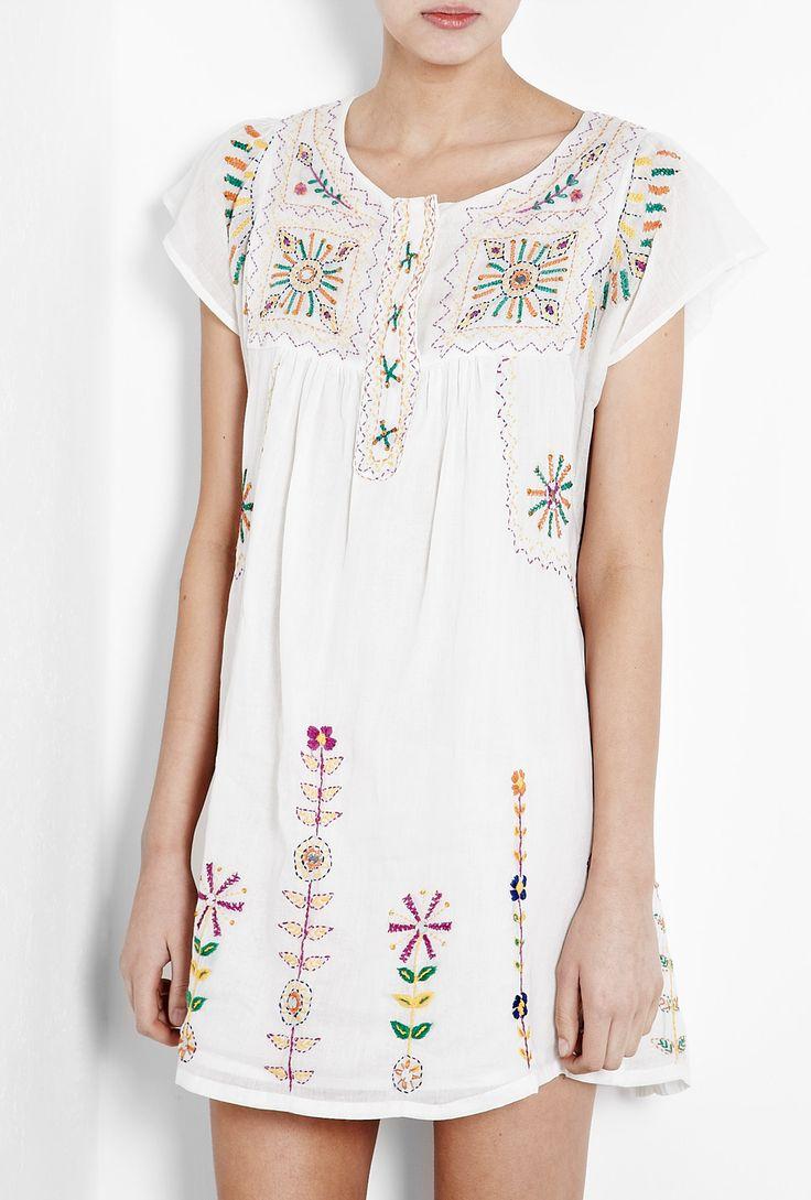 Assini Embroidered White Dress by Antik Batik