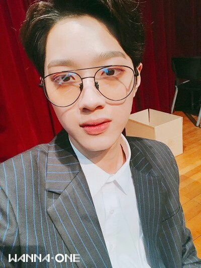 [180131] Guanlin @ Fancafe Wanna One (Nothing without you) Fansign Selca Time Update