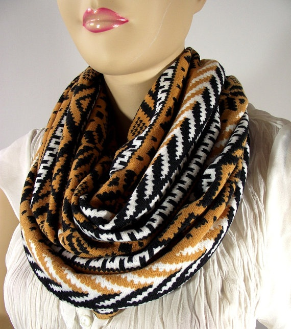 Perfect AutumnInfinity ScarfCamel Gold