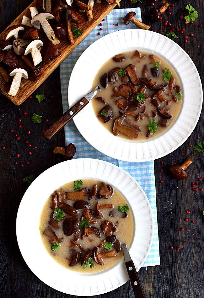 Zupa+grzybowa+najlepsza+na+świecie+(z+grzybów+leśnych):+Zupa+grzybowa+towarzyszy+nam+od+stuleci.+To+jedna+z+obowiązkowych+potraw+na...