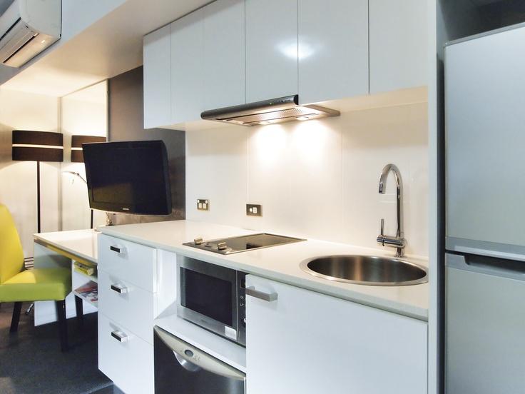 Oaks M on Palmer - City scape studio #1101b - Kitchen