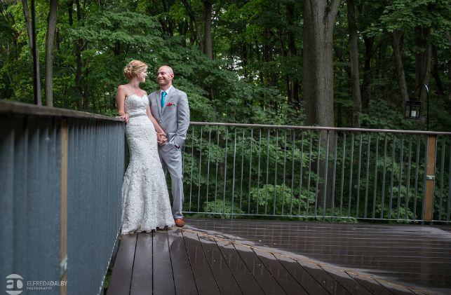 Elfreda Dalby Photography http://elfredadalby.com/weddings/kortright-conservation-centre-toronto-wedding-photographers-lauren-and-steve/