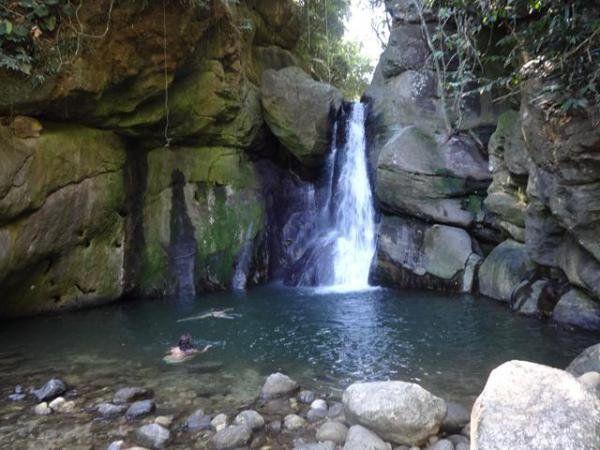 cachoeira andorinhas