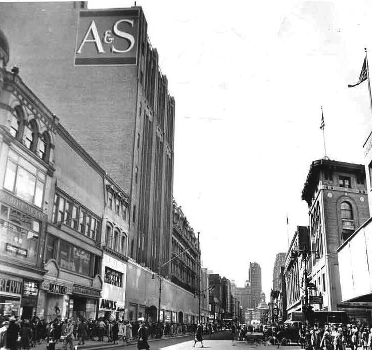 1946 scene at Fulton Street, Brooklyn, NY