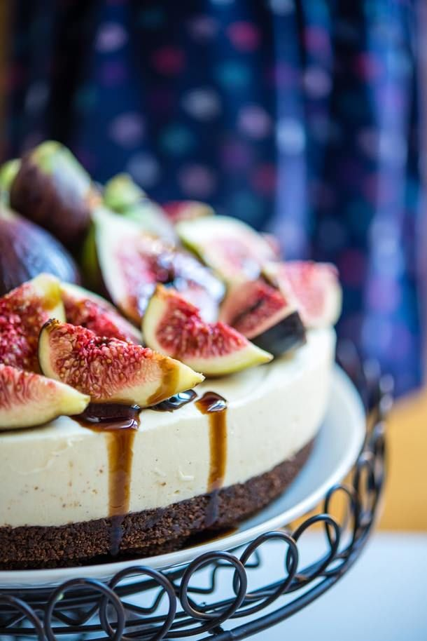 Fig and Vanilla Bean Cheesecake with Balsamic Glaze (The Hungry Australian)
