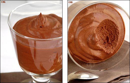 Mousse de chocolat - 2 ingrédients & 5 minutes de préparation ! -