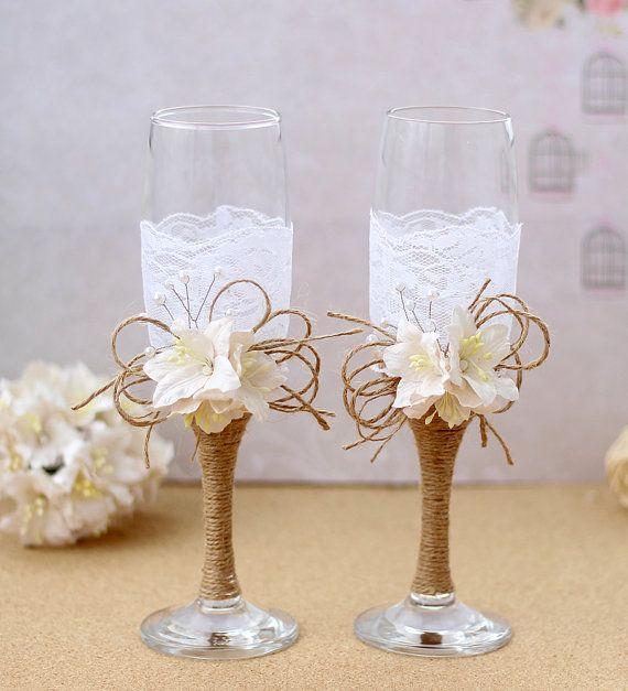 Jute en Lace roosteren fluiten rustieke proosten glazen bruid en bruidegom Toast glazen roesten bruiloft champagneglazen