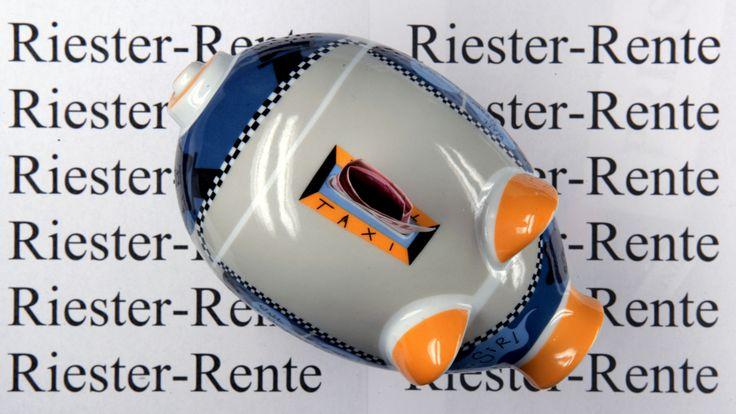 Riester-Rente ist zu teuer! Verbraucherschützer warnen - Sorsorge und Rente - Bild.de