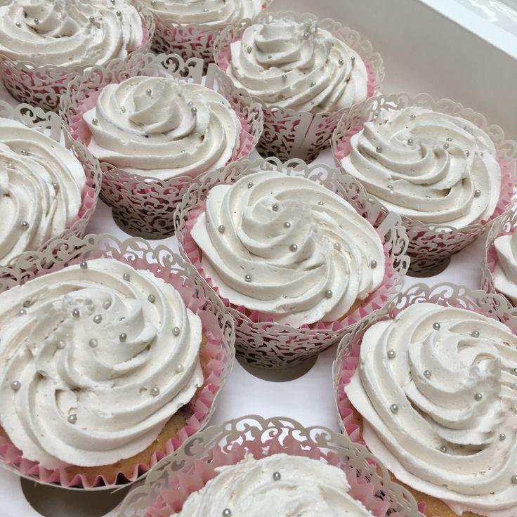 Wedding cupcakes.  https://www.thecakelabbakery.com/    Ranelagh, Dublin, Ireland.