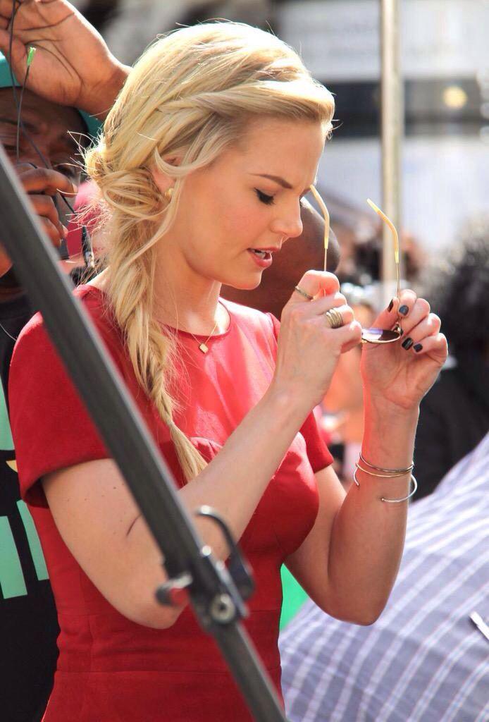 Jennifer Morrison :)