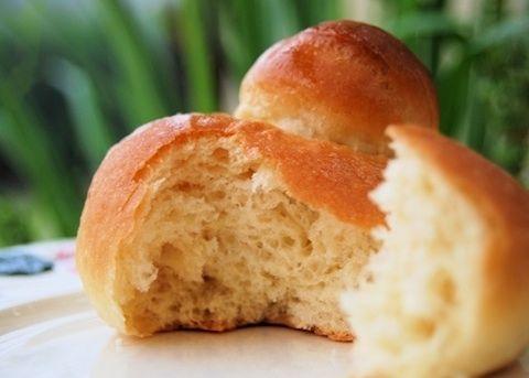 Brioches catanesi con il tuppo - La ricetta di Buonissimo