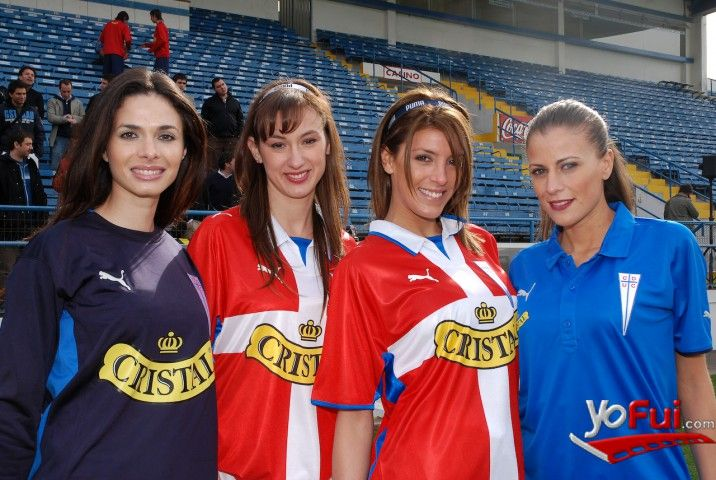 YoFui.com: Rosario Alemida (Team Puma), Andrea Dellacasa (Team Puma), Mariana Marino (Team Puma), Sabrina de León (Team Puma) en Nueva Camiseta para la UC, Estadio San Carlos de Apoquindo, Santiago (Chile)