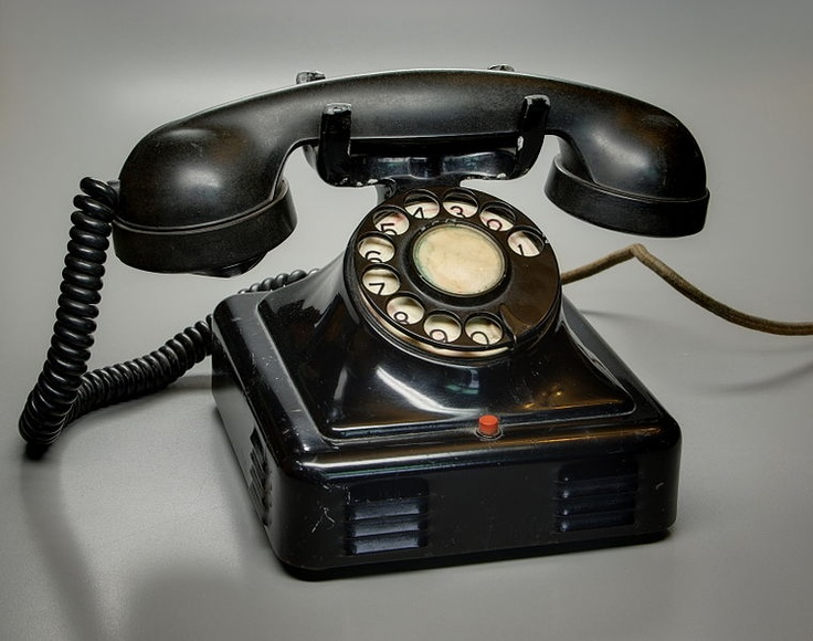 c676728f74fd5b1be4b8d50217c9cb48 vintage telephone vintage phones 99 best can you hear me now! images on pinterest gadgets, 30 Antique Phone Wiring Diagram at readyjetset.co