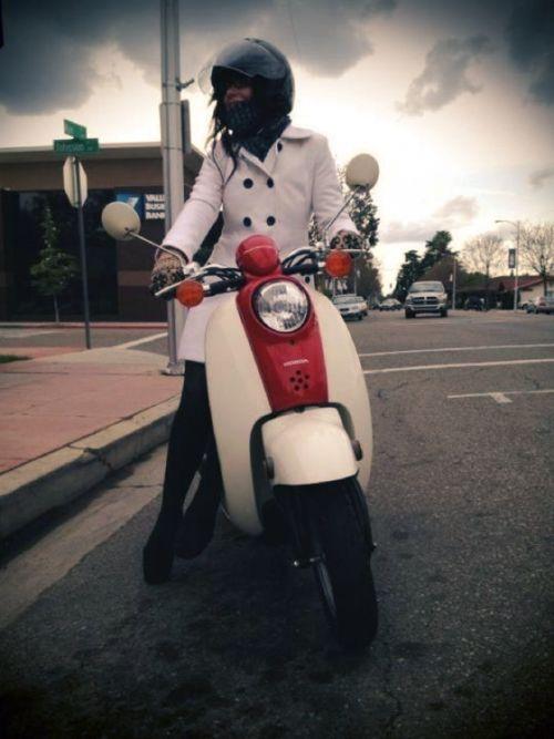 LOVE this Honda motorcycle