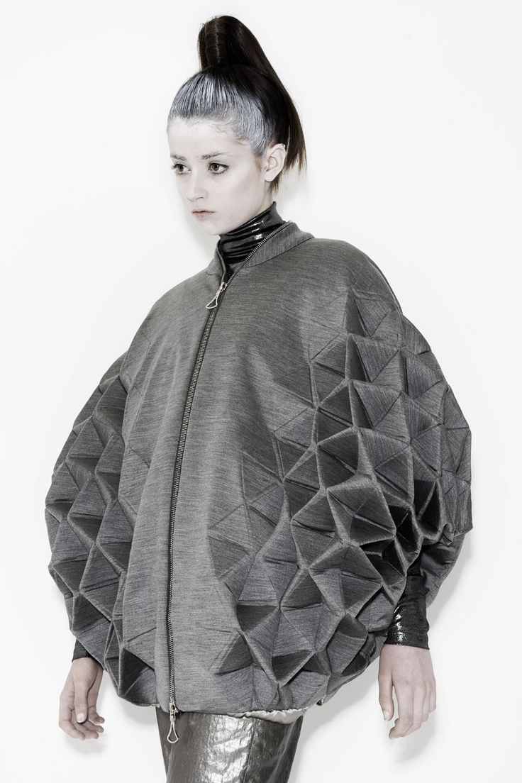 Geometric Fashion with faceted 3D structure - Triangle tessellation, shape & volume |  Rachel Poulter