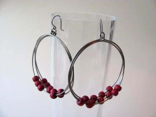 Aarikka-Finland-Vintage-Earrings-Red-Wood-Beads-Silver-Toned-Metal-Dangle-Retro
