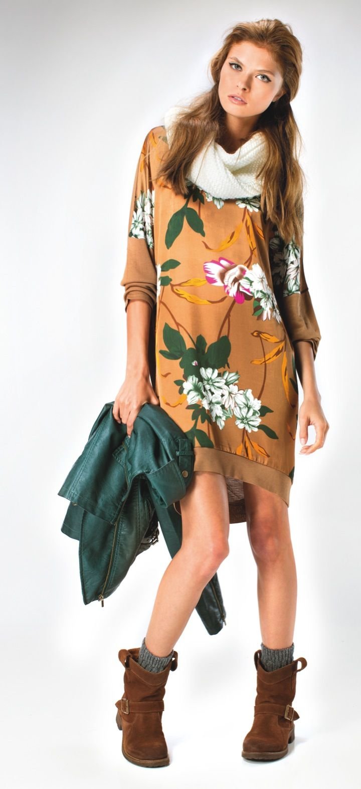 Flowers and more flowers! #MO #fashion #style @strandbulgaria http://bit.ly/MOComing