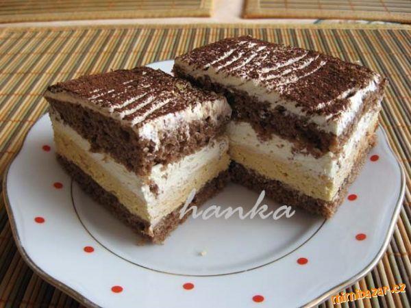 Karamelové řezy / plnky-vanilkový a karamelový puding so šľahačkou /