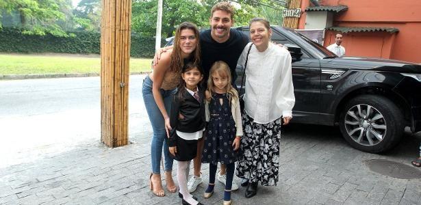 Por que é ótimo Cauã e Grazi terem ido com novos amores à festa da filha?