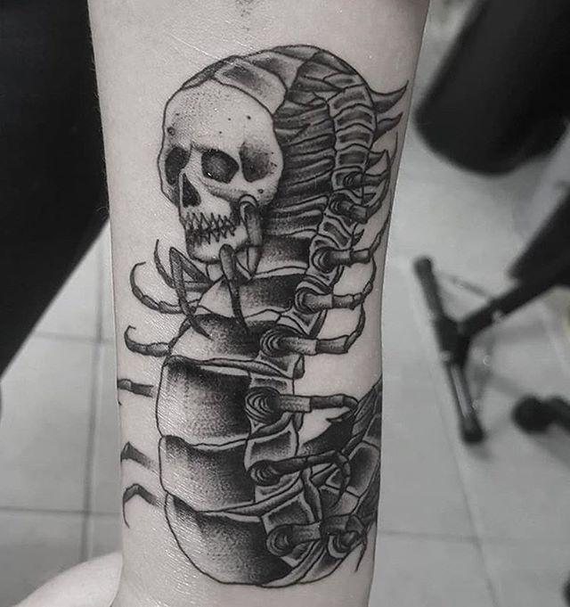 Human Centipede By Artist Matthewrubitattoos Royalfleshtattoo Chicago Chicagotattooartist Inked Chicagotattoosh Flesh Tattoo Chicago Tattoo Shops Tattoos