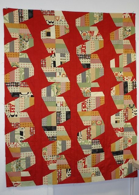 Fast Forward in Circa 1934 by Stitch-n-Lounge, via Flickr jaybird quilts. I've made this pattern twice. Every version I've seen is gorgeous.