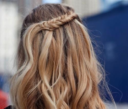 smal fishtail braid #blonde