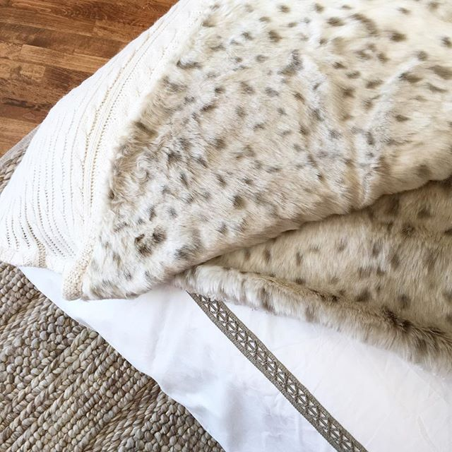 Alice Lane Home Collection | Fur throws