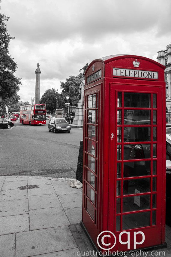 London Telephone Booth in black and white by QuattroPhotography