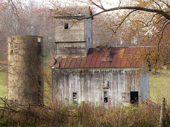 `alone but not forgotten: Incorpor Tanks, Abandoned Building, Beautiful Barns, Barns Silo, Tanks House, Abandoned Silo, Barns Bridges, Abandoned Barns, Old Barns