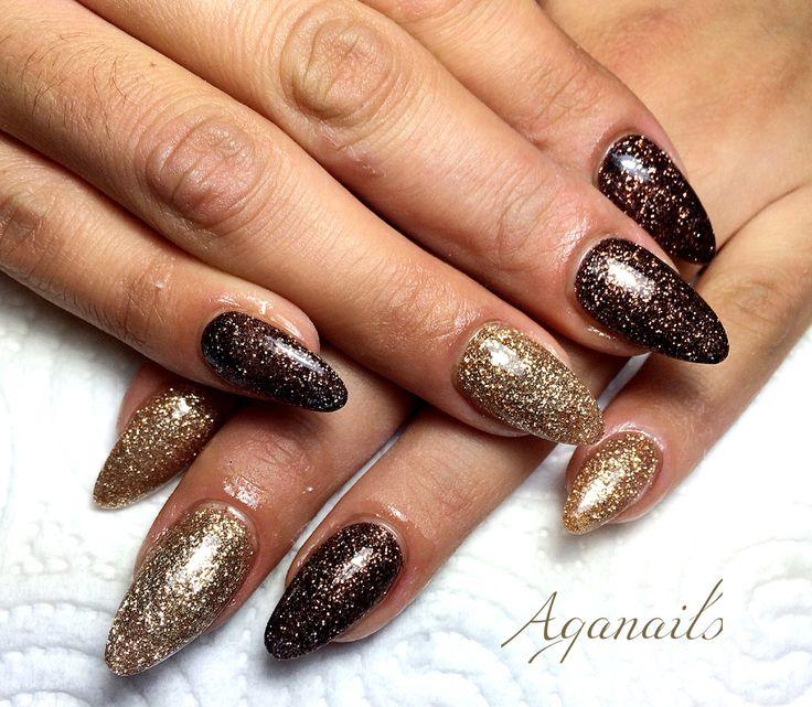 Ricopertura delle unghie naturali con acrilico colorato