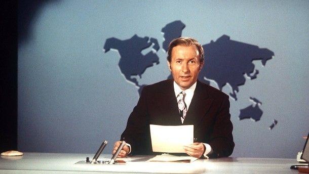 Nicht stottern, nicht stolpern und auch nicht zu schnell: Tagesschau-Sprecher Karl-Heinz Köpcke im Jahr 1971.