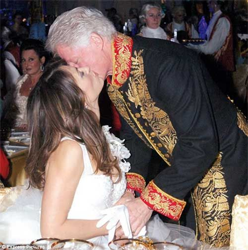 Barbra Streisand Bill Clinton Affair | Actor Celebrity Bill Clinton Monica Lewinsky Cigar 300 X 400 35 Kb ...