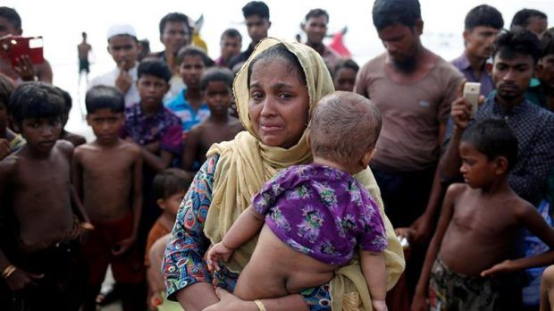 Berita Islam ! Surat dari Rohingya: Kami Sedang Menghadapi Kepunahan... Bantu Share ! http://ift.tt/2xpUGiN Surat dari Rohingya: Kami Sedang Menghadapi Kepunahan  Maungdaw- Sepanjang hidupku tepatnya sejak 24 tahun lalu aku telah menjadi seorang tahanan di sebuah penjara terbuka Anda tahu? Penjara itu adalah Rakhine State. Aku dilahirkan di Myanmar sebagaimana kedua orangtuaku. Namun lahir sebagai orang yang tidak memiliki kewarganegaraan. Bahkan sebelum aku berada di kandungan. Aktivitas…