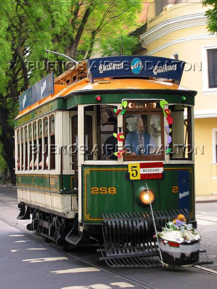 Viejo tranvía que circuló hace unos años atrás por las calles de mi Quilmes en la prov. de Buenos Aires - Argentina