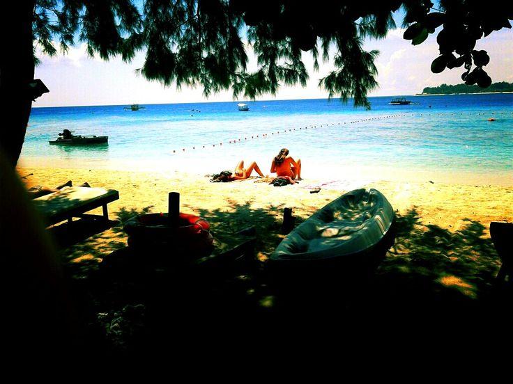 Berjemur di Pantai Gili Trawangan