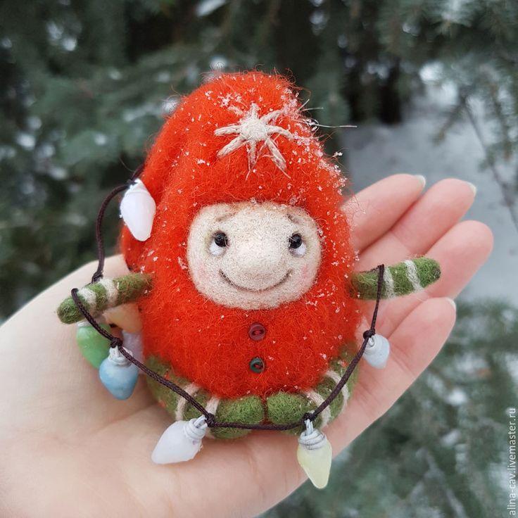 Приближается самый волшебный праздник, самый загадочный день в году! Подарки, огни, веселье и еще много всего замечательного. А вы задумывались кто дарит нам волшебное настроение и осыпает землю снегом? Я вот думаю, что это маленькие гномики… И я предлагаю сотворить такого гномика своими руками! Пусть на земле появится много карапузиков, исполняющих самые сокровенные новогодние желания!