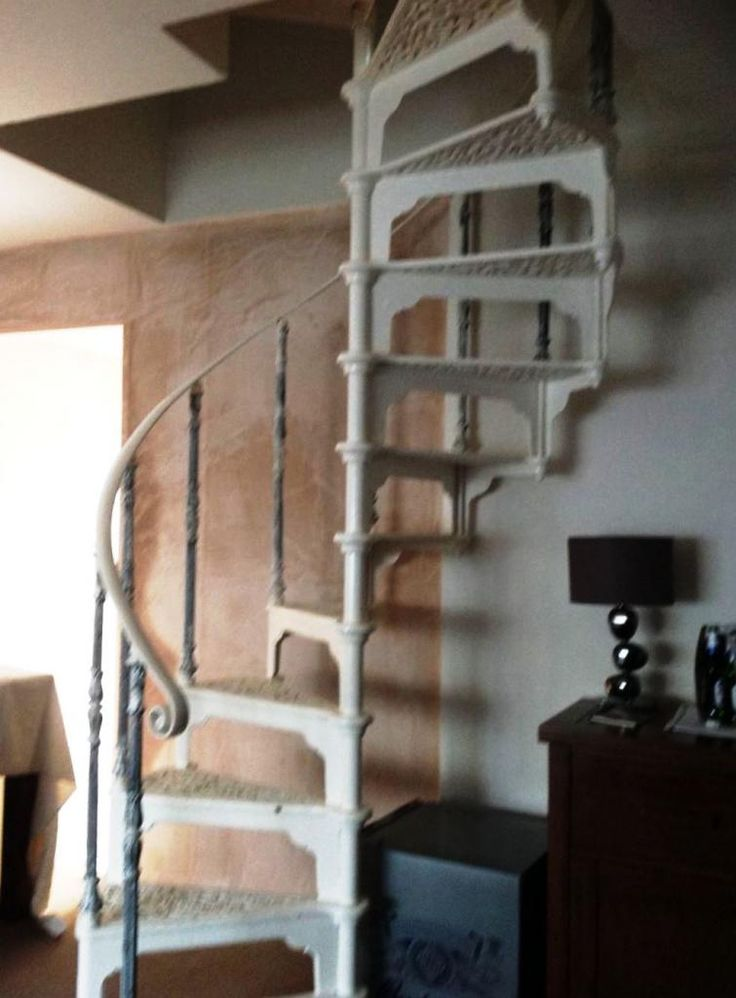 Cast Iron Spiral Staircase With Two Top Handrails 7531