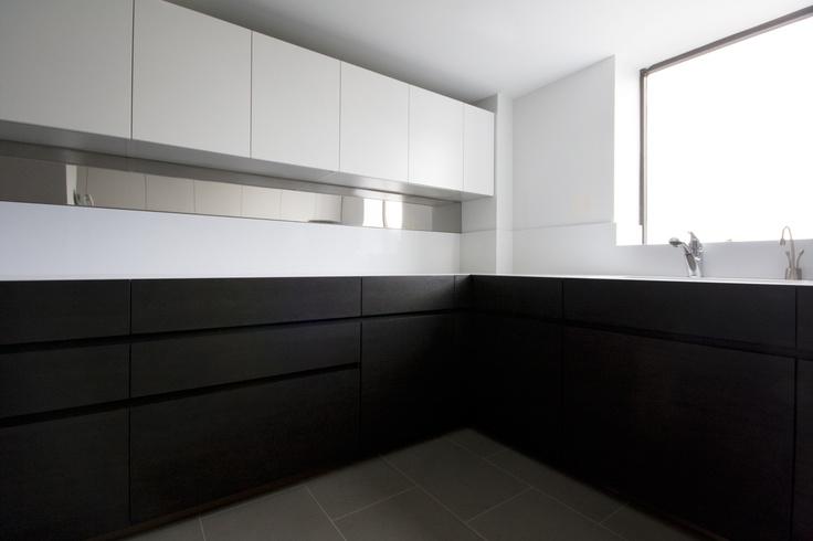 küche in dunklem holz #holzküche #eckküche www.dyk360-kuechen.de, Kuchen deko