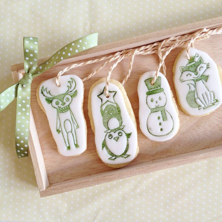 Nordic cookie Christmas tree decorations by Hana Rawlings
