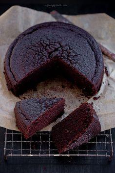 Moje Wypieki | Ciasto czekoladowe z czerwonym winem