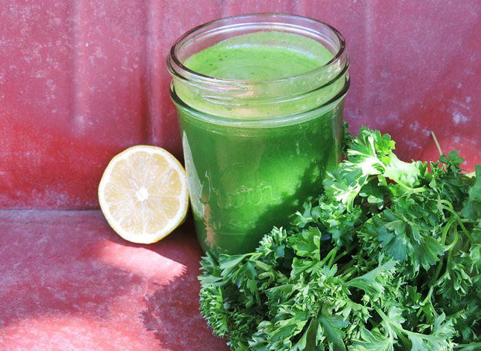 Advanced Green Juice  1 cucumber 3 romaine leaves 3 stalks of celery 2 collard green leaves ½ lemon (optional) handful of parsley