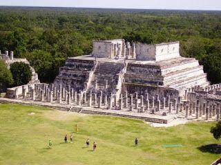 Vistas desde la piramide de Kukulcan en Chichen Itza #rivieramaya #mexico http://www.pacoyverotravels.com/2010/09/huracan-incluido-en-rivera-maya-octubre.html